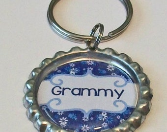 Blue and White Daisy Grammy Grandmother Metal Flattened Bottlecap Keychain Great Gift