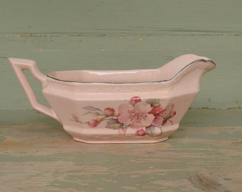 Pottery Gravy Boat or Sauce Boat, Vintage Edwin Knowles