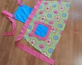 Toddler Apron: Blue top w/ green flower skirt & Yellow buttons