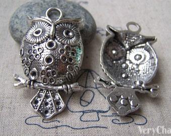4 pcs of Antique Silver Lovely Owl Pendants 29x50mm A1836