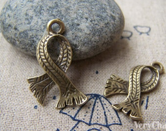 10 pcs of Antique Bronze Lovely Scarf Charms 17x25mm A1488