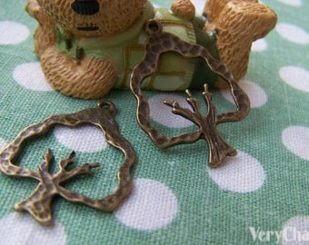 10 pcs of Antique Bronze Textured Tree Charms 21x26mm A323