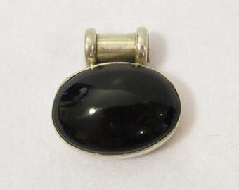 Vintage sterling Oval Black Oynx pendant