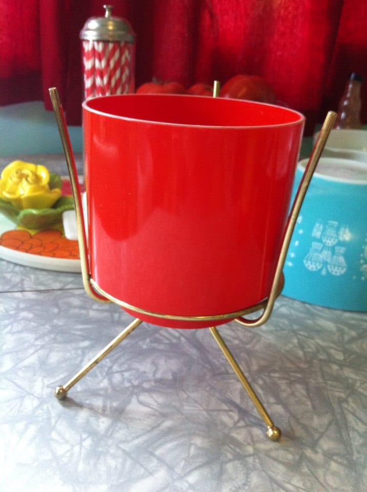 vintage mid century modern plant stand by cominguprosesvintage. Black Bedroom Furniture Sets. Home Design Ideas