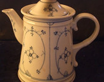 Antique Meissan German  Tea Pot, Vintage Kitchenware