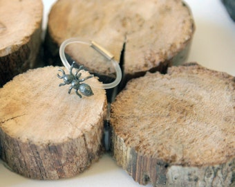 Ant in oxidised silver ring