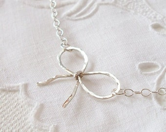 Remember Me Sterling Silver Bow Necklace