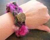 Bohemian knit Bangle Bracelet. Purple. Fushia. Textile bracelet. Boho Chic.