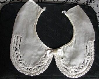 Vintage 40's white silk lady's collar