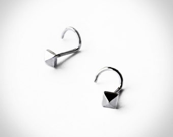 Pyramid Stud Nose ring in Sterling
