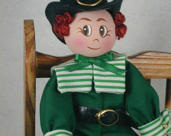 St Paddy Clothespin Doll