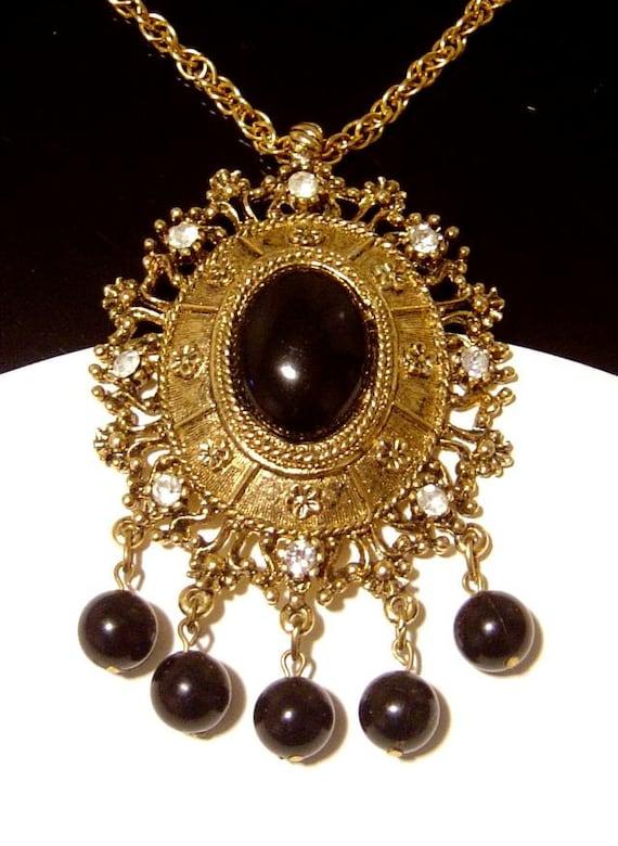 Vintage pendant Necklace Celebrity Gems