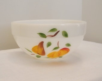 SALE - Vintage Anchor Hocking Fire-King Gay Fad Bowl