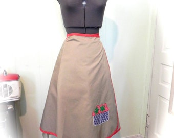 Vintage Skirt 60s Wrap Skirt with Strawberries Size M L - on sale
