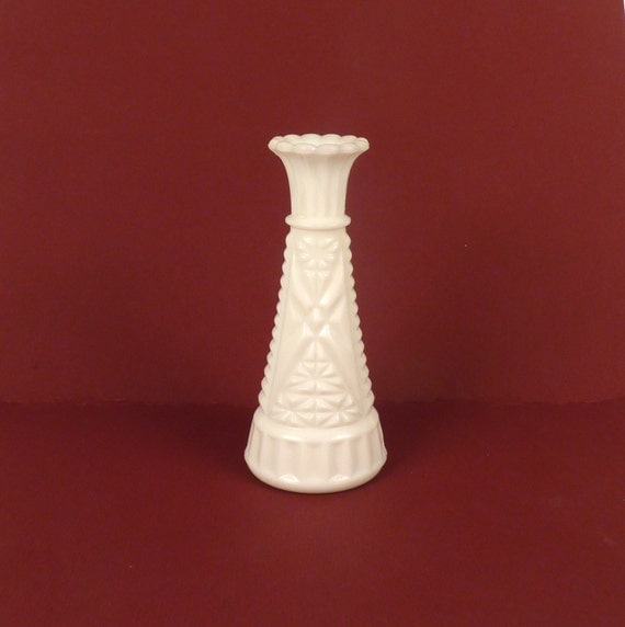 Vintage Bud Vase White Milk Glass Weddings Flower Vase