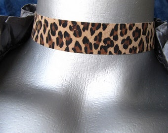 Adjustable Leopard Print Suede Leather Choker