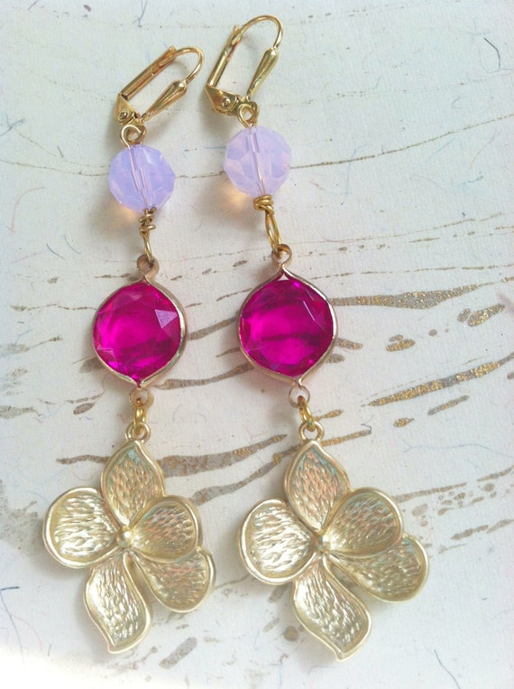 Gold Flower Earrings by MinouBazaar