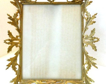 Gold Ormolu Photo Picture Frame Cherubs and Acanthus Leaves//Hollywood Regency Glamour//Tabletop Frame//Vintage Home Decor