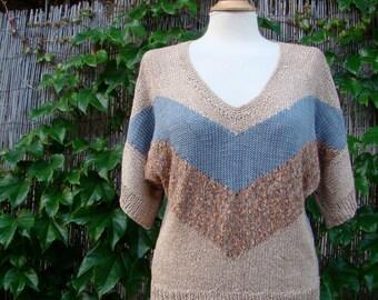 Vintage 80s / New Wave / Tan / Blue / Rust  / V Neck / Block Sleeve / Sweater / LARGE