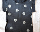 Oversized womens tshirt in organic cotton - stencil art - polka dots