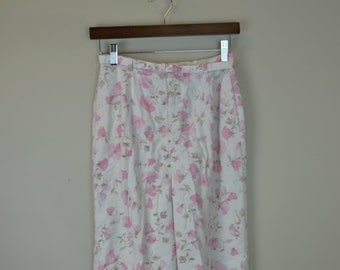 60s Floral Shorts / 1960s Long Print Shorts / High Waist Shorts / White Floral / McGregor S M