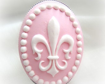 Pastel goth Fleur De Lis cameo ring, fairy kei pink ring, kawaii cute gift for her