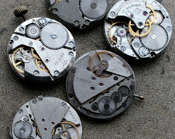 Vintage watch movements -- set of 5 -- D4