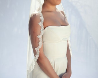 Cocoon- one layer wedding bridal veil, 36 inch fingertips length with scallop shaped lace, ivory or white [style 010]