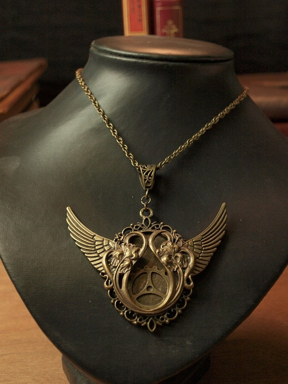Gear Wing necklace pendant brass antique bronze Steampunk Jewelry