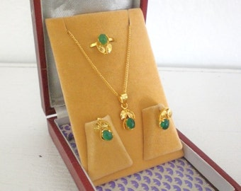 Vintage Gold Plated Necklace Earrings Ring Green Glass Mid Century Parure India Flower GallivantsVintage