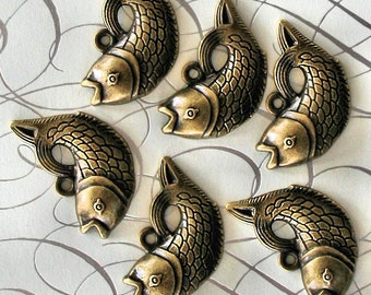 4 Fish Charms Antique Bronze Tone with Wonderful Detail - BC348