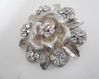 Vintage brooch, silver tone and crystal  flower brooch, 1960s brooch, floral brooch, vintage jewelry