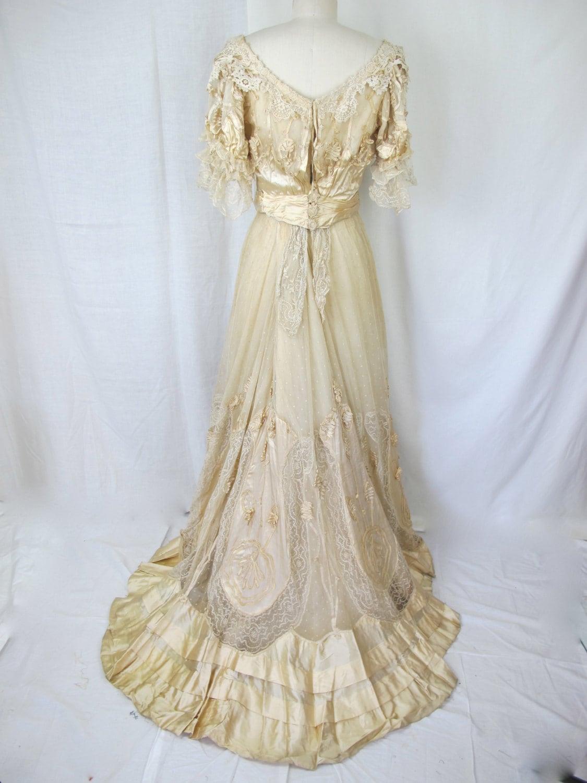 1900s edwardian victorian white wedding dress lace silk gown for Victorian style wedding dress