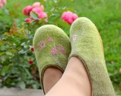 Felted slippers Verdure - handmade indoor shoes green with roses - felted wool merino