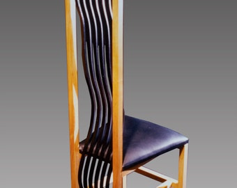 Chair, wavy slats, black leather seat