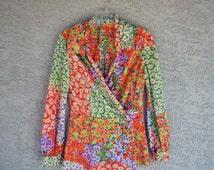 1970s Flower Power Blouse / Colorful Retro Blouse / Flower Child / 1970s Fabric / Longsleeve Blouse /  Size L