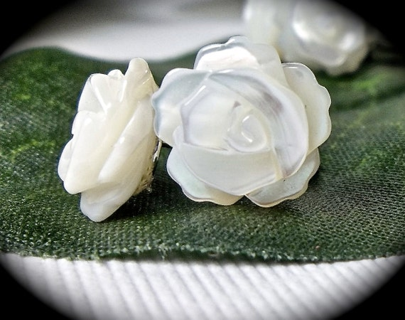 Bridal jewelry - Rose earrings - Small - Mother of Pearl -   - Sterling Silver  - Posts - Bridesmaids, flower girl - Wedding Jewelry -