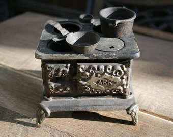 Antique Small Metal Toy Stove - ARK Toy or Salesman Model