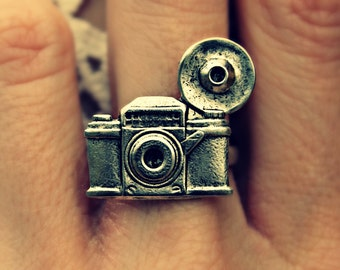 silver camera ring, photography ring, kitsch ring, unique ring, cute ring, vintage style