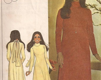 70's Sewing Pattern - McCall's 4679 Marlo's Corner stretch knit dress Size 10 Factory folded and complete