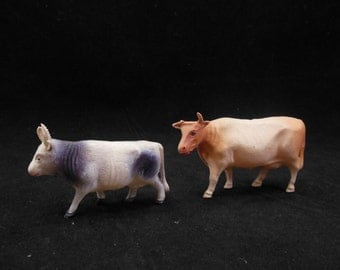 Pair of Celluloid Cows Bulls Lightweight Animal Toys