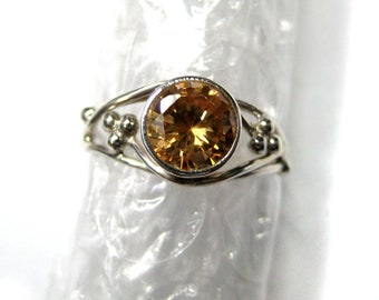 925 Sterling Silver Cubic Zircona Ring , Fine Quality Faceted Round Shape Gem Stone , Beautiful Hand crafted Silver Ring