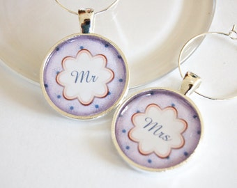 Wedding Wine Charms, Mr Mrs Wine Charms, purple, silver plate, barware, Wine Charms, Bridal Shower, table setting (2091)