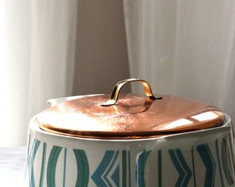 Porcelain Casserole Dish with Copper Lid