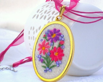 Embroidered Necklace Muhu flowered embroidery pendant necklace Hand embroidered floral bouquet Embroidered pendant Floral necklace