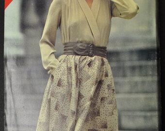 Misses' Wrap Top and Skirt Size 14, 16, 18 Uncut Vintage 1970s Sewing Pattern Butterick 117