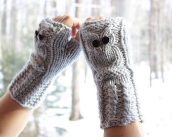 Owl Fingerless Gloves in grey, mittens, hand knitted wrist warmers, cuff warmers