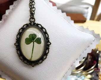 clover necklace, nature necklace, real clover necklace, green necklace, cameo , clover pendant, clover jewelry cute necklace for girls