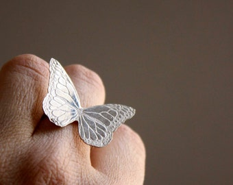 Sterling silver monarch butterfly ring - insect jewelry - etched ring - animal - wing - large - gift for her - NYMPHALIDAE