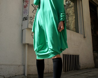 Oversize Green Loose Casual Top / Asymmetric Raglan Long Sleeves Tunic One Size / Maxi Blouse A02044